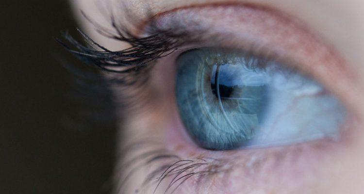 Prótese ocular vira celebridade - O dia seguinte - Mídia e Ciência