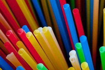 Canudinho: vilão supremo na guerra contra o lixo plástico
